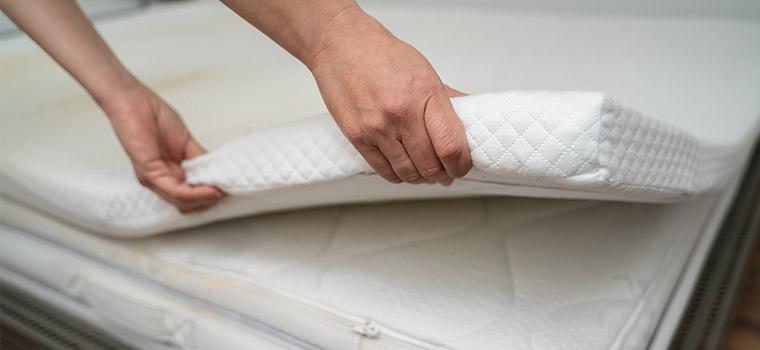 surmatelas taille épaisseur choisir sur-matelas fermeté confort